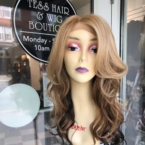 Accessories - Lacefront middle Part Blonde Brown ombré New Wig